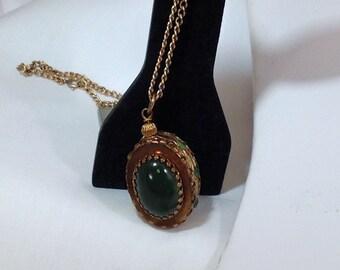 Vintage Jade Colored Necklace