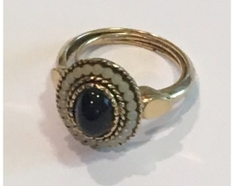 1970s Avon Victorian Style Gold Tone Blood Stone Ring Adjustable, Size 5-5.5