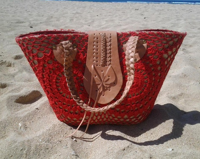 Summer basket with Red Crochet