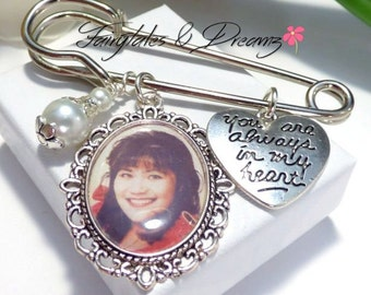 Oval - Boutonniere Photo Charm - Grooms Buttonhole - Memorial Charm for Groom - 18x25mm photo-  Lapel Photo Charm