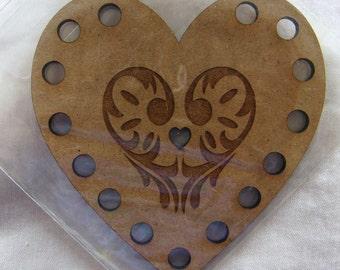 Heart shape Embroidery Thread (Floss) Holder, MDF.  15 different colours can be sorted onto this decorative organiser.  Made in France.