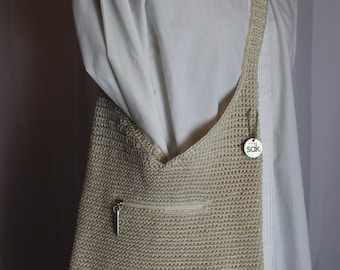 Beige knit purse 1980s