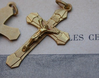 2pcs Antique French matted gold cross lys flower shape crucifix jusus medal religious medals cross  reliquary France bronze angel Sacred