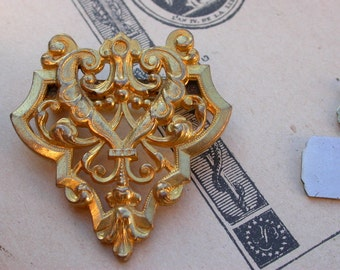 French antique 18K yellow gold vermeil brooch  filigree ornate art nouveau gold brooch Lys flower Louis XIV design