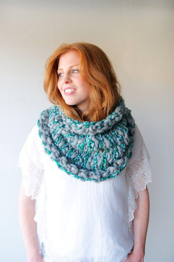 Stripe Story Cowl ~ Knitting Pattern for Art Yarn and ...