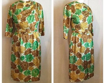 Vintage 1950's Crysanthemum Floral Print Wiggle Dress