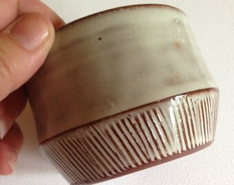A vintage Creigiau pottery sugar bowl studio pottery made in Wales