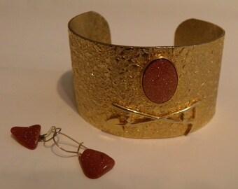 Kitschy Vintage GOLDSTONE Cuff Bracelet