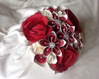 Beautiful paper flower bouquet for brides, bridesmaids, flower girls and first 'paper' anniversary wedding gift