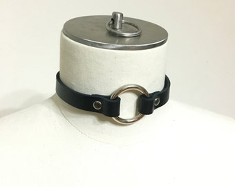 Black Leather Ring Collar