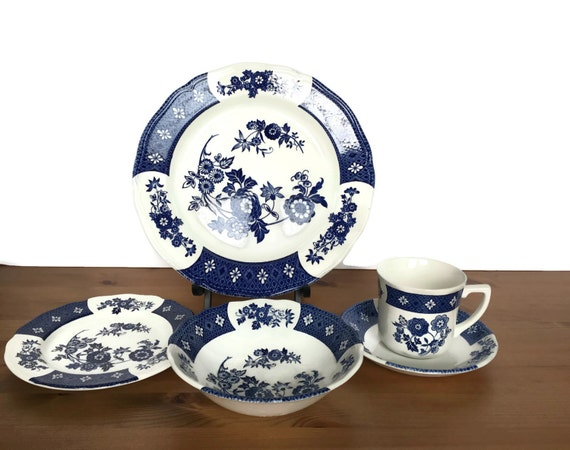 Vintage J&G Meakin 5 piece place setting Royal Staffordshire ironstone