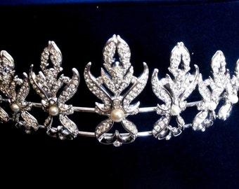 Signed Swarovski Wedding Tiara Rhodium with Crystals & Pearls  Swan Logo (D)