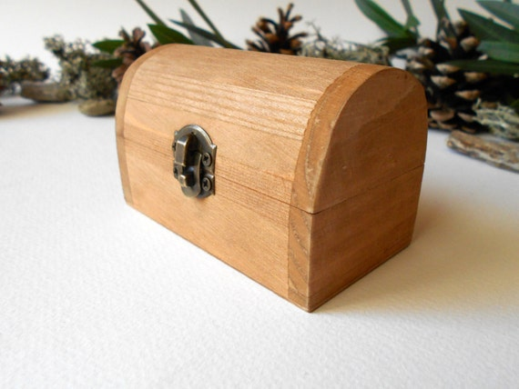 Rustic wooden box small brown chest box by exiartsecocrafts - Small rustic wooden boxes ...