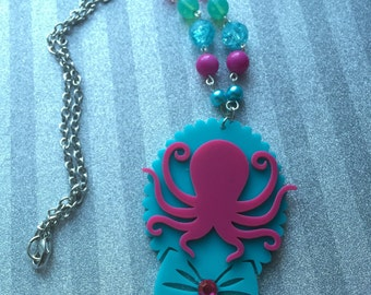 Acrylic Octopus Cameo Beaded Necklace