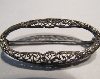 Rhodium Filigree Pin