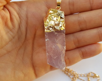 Pink Rose Quartz Pendant, Gold Rose Quartz Necklace, Raw Rose Quartz Necklace, Rose Quartz, Gemstone Necklace Pendant, Crystal Pendant