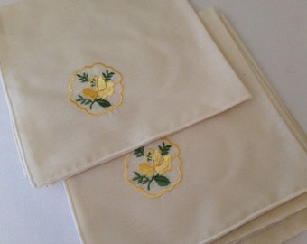 Vintage Set of  (4) Embroidered Yellow Rose Flower  Napkins-  Never Used-Mint