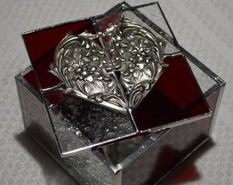Stained glass jewelry/trinket box