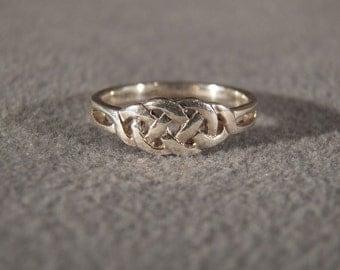 Vintage Sterling Silver Irish Celtic Knot Ring, Size 7 1/2    **RL
