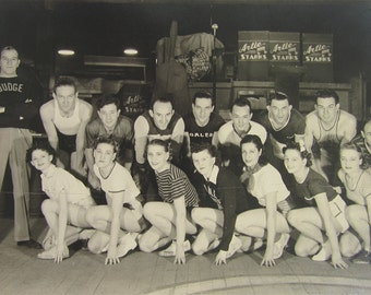 "Original 1939 Chicago Coliseum Walkathon Contestants 7"" x 5"" Photo And Program - Free Shipping"