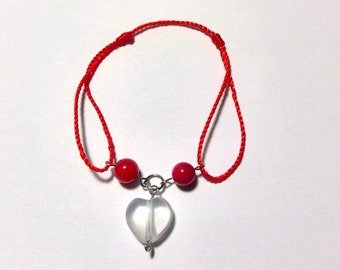 Adjustable strap with a heart of  Rock Crystal and Coral Pearl