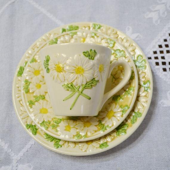 Vintage Metlox Poppytrail Daisy Cup Saucer Side Plate