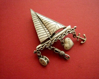 Boat sailing with charms, vintage 80 pin