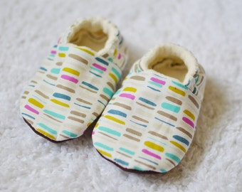 Multicolor Crib Shoes - Baby Booties - Soft Sole Shoes - Pantoufles - Chaussons