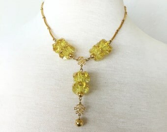 Vintage canary crush necklace