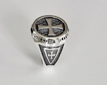 Knights Templar Sterling Silver Ring.  Size US 10 1/2
