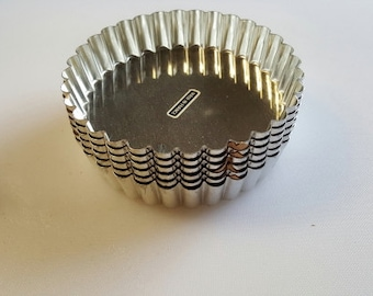 Gobel Fluted Round Tart / Quiche Pan with solid bottom - 5-1/2 inch - Gobel of France - 6 pieces