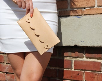 Scalloped Wristlet, Leather Wristlet, Leather Clutch, Natural Leather, Veg Tanned Leather Clutch, Bridesmaid Gift, Monogrammed Clutch