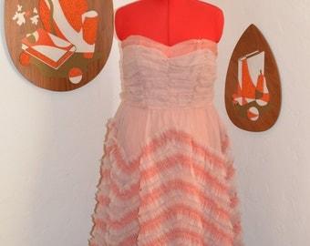 Womens Vintage 1950s Cupcake/Prom Chiffon Dress in a Dusty Rose Pink/Peach MEDIUM