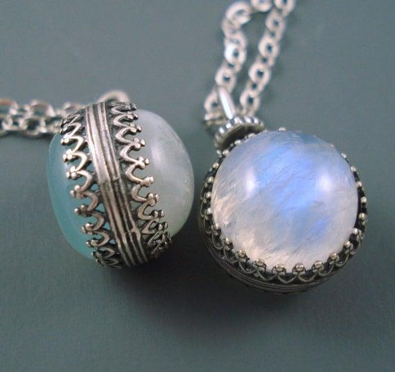 Moonstone Necklaces: Moonstone Pendant And Chalcedony Pendant 14MM Revolving