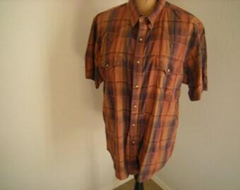 men western shirt-wrangler shirt-pearl snaps-short sleeves-2 pockets-brown -country dancing-size L
