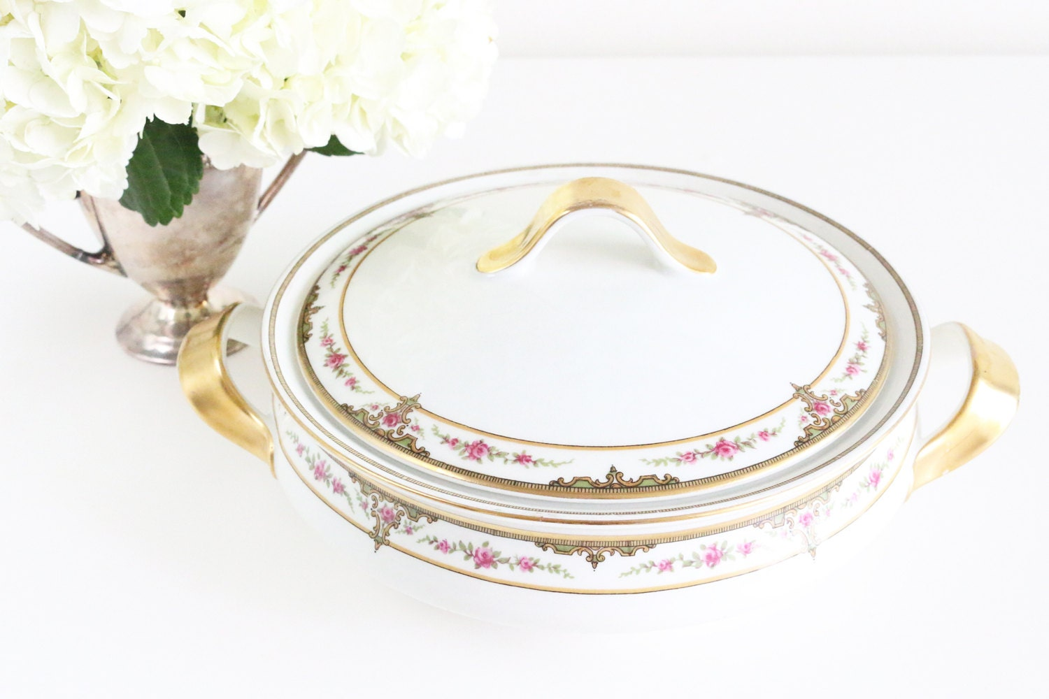 limoges serving bowl with lid vintage serving dish with lid. Black Bedroom Furniture Sets. Home Design Ideas