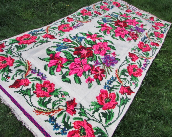 Bessarabian Kilim. Vintage Moldovan Kilim, Handmade 50-60 years old,Ethnic home decor. Floral Rugs Carpets .Eco-Friendly