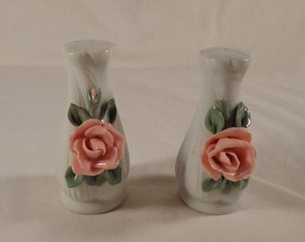 Salt and Pepper Shaker Set ~  White Vase, Pink Rose, MIni