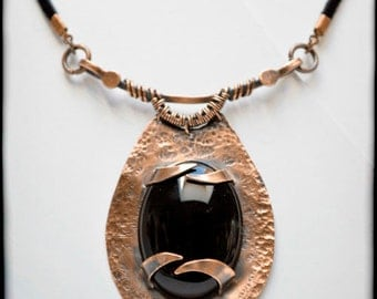 Copper pendant with onix, metalwork, Handmade, Boho, Rustic, wire wrapped