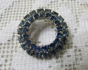 vintage 1950's  two toned blue  rhinestone circle  brooch pin
