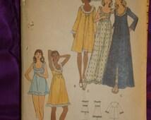 1970s 70s Vintage Low U Neck Robe n Gown Floor or Knee Length Shortie PJs n Panties COMPLETE Butterick Pattern 6901 Bust 38 Inches 97 Metric