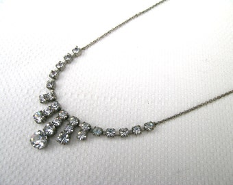 """Classic stylish 1950s/1960s diamanté silver tone fringe necklace wedding bridal bridesmaid 16""""/40.5cm"""
