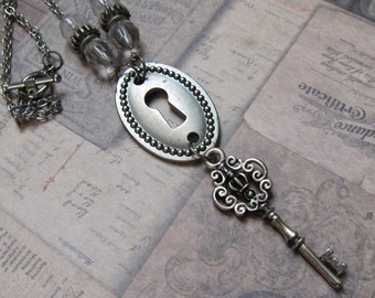 SALE! Silver Steampunk Victorian Keyhole Necklace