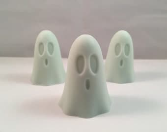 Ghost Soaps / Halloween Soap / Boo Soap /  Fall Soap / 4 oz Soap / Goat Milk Soap/ Set of 4