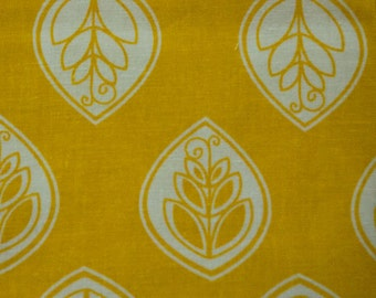 Cotton Fat Quarter with Modern Leaf Design