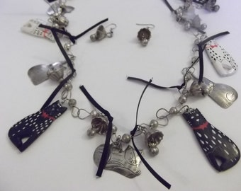 Vintage Whimsical Cat Necklace and Earrings Set