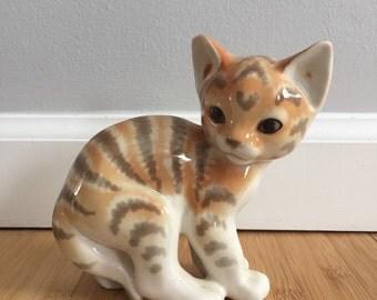 ADORABLE Vintage Ceramic Kitten!