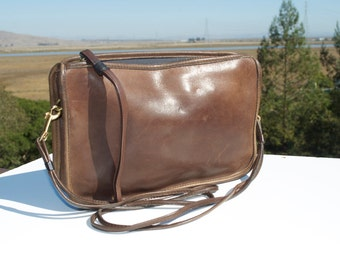 Vintage Coach Brown Leather Purse 1970's