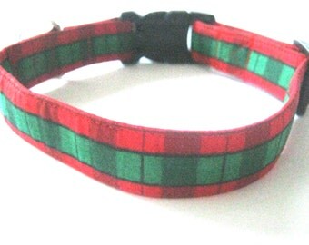 Dog collar Red and green adjustable dog collar