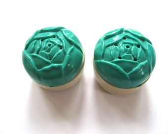Plastic Rose Salt and Pepper shaker set. Teal aqua and ivory cabbage roses. 1940s collectable